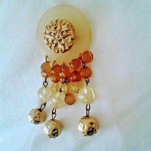 Jewelry - vintage lucite medallion bubble bead brooch